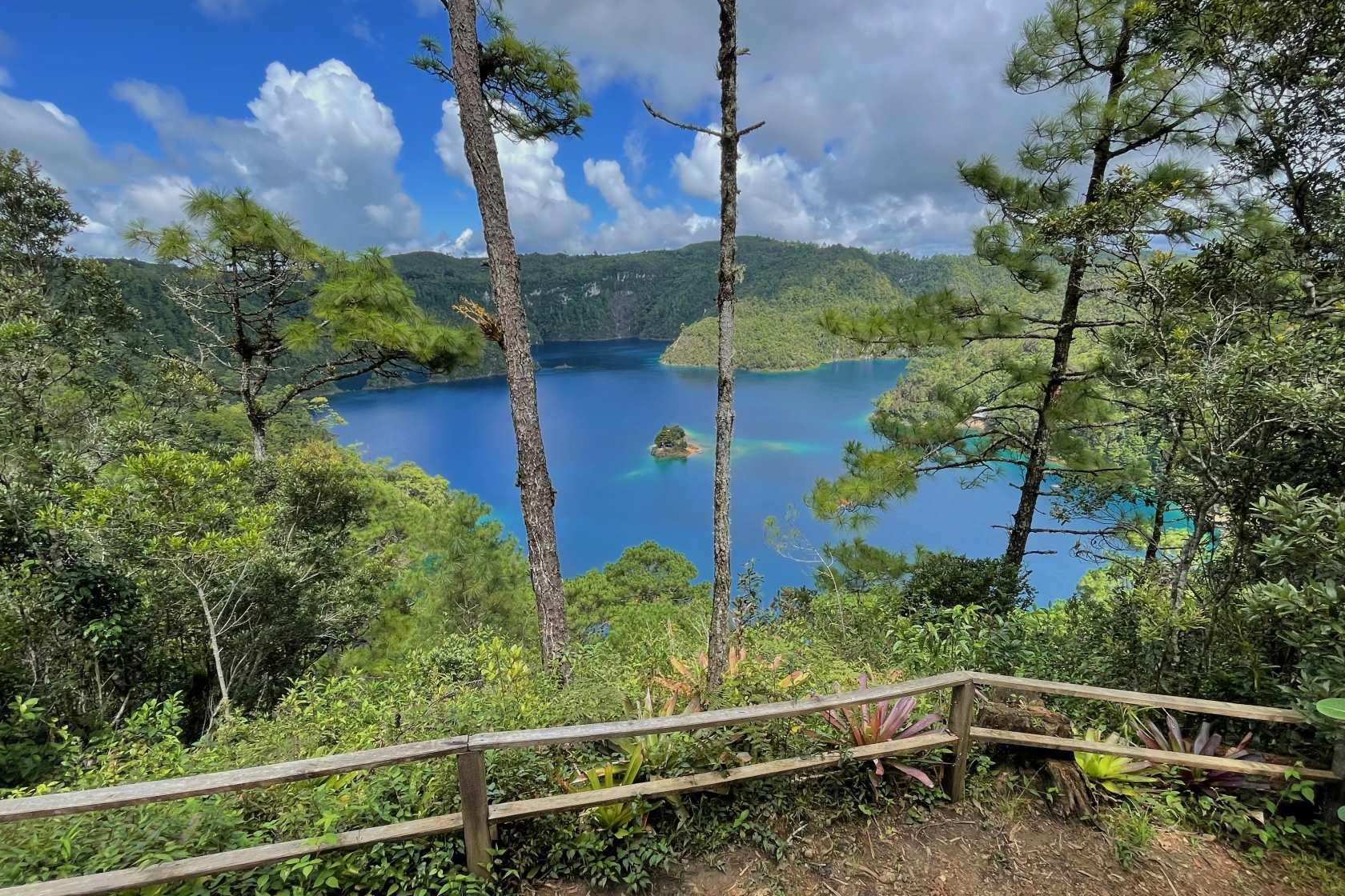 Lago de Montebellos